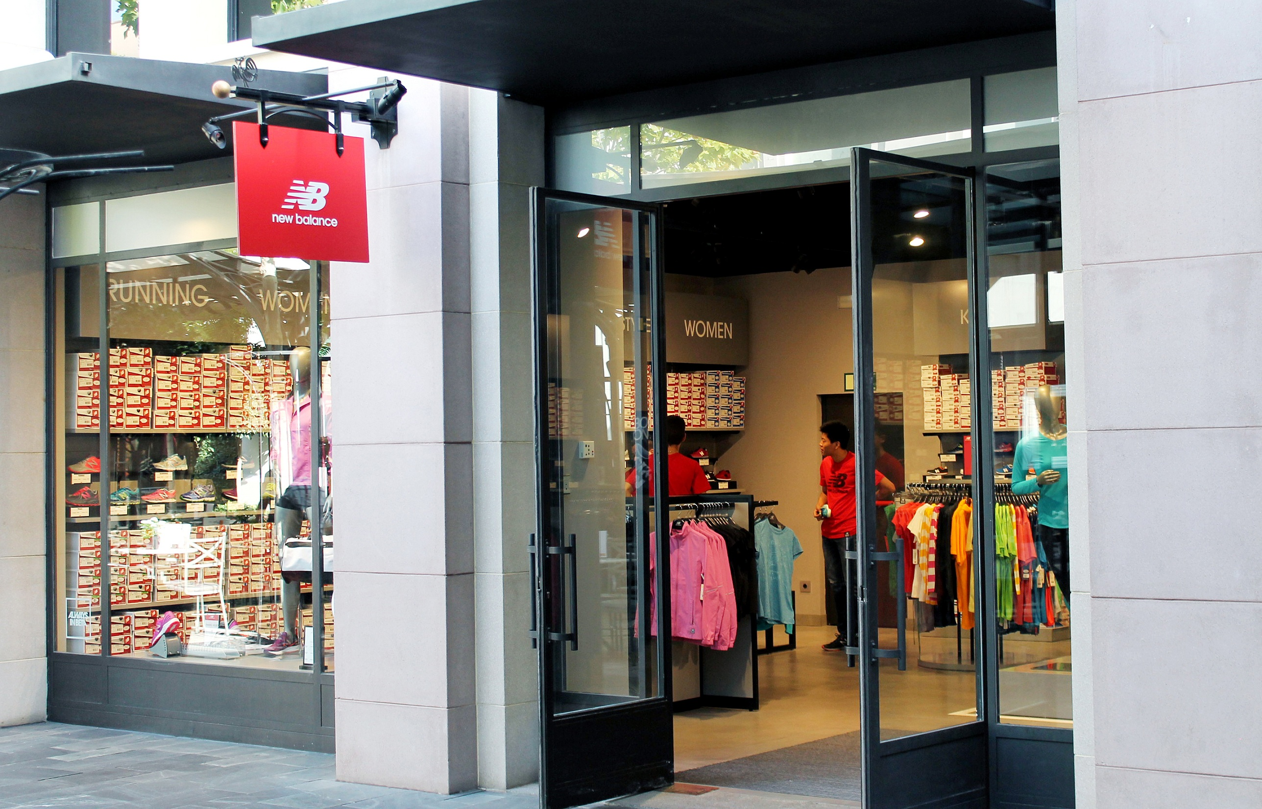 new balance outlet la roca