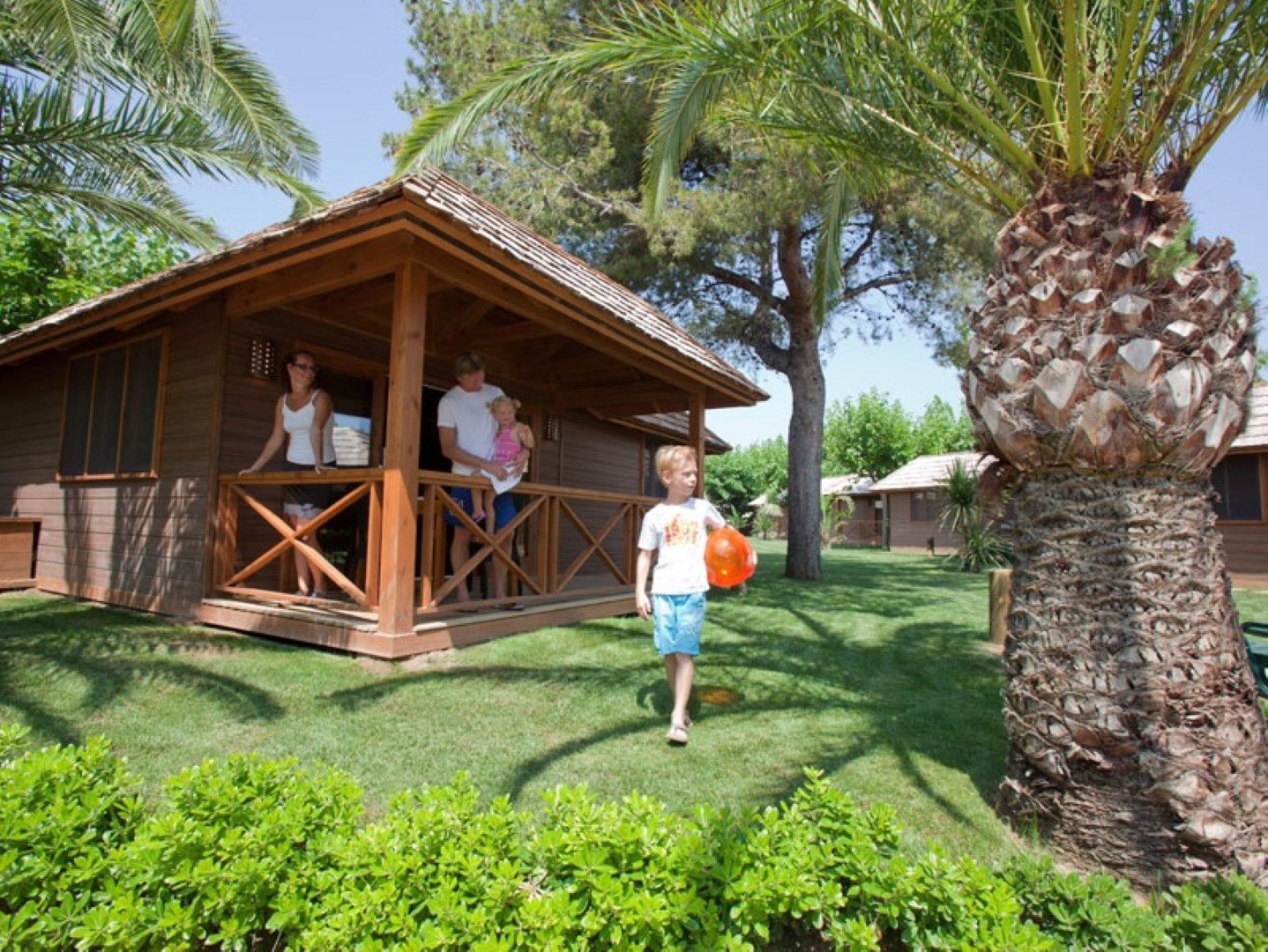 palm-tree-villa-con-familia
